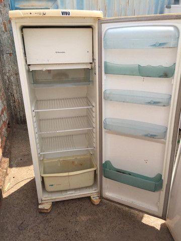 Geladeira Electrolux Degelo, 340 litros, conservada, completa. ENTREGO! - Foto 2