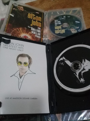 Lote c/ 6 dvds Elton John originais 4 deles lacrados - Foto 2