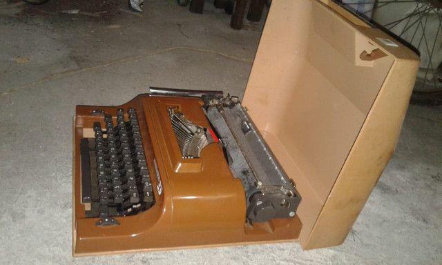 Maquina Portátil De Escrever Remington 25 - Foto 3