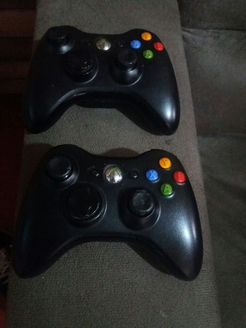 Xbox 360 + Kinect + 2 controles  - Foto 4