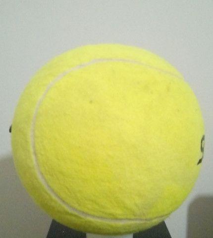 Kit com 9 bolas de tênis Gigantes Guga Kuerten ? Com Defeito - Foto 5