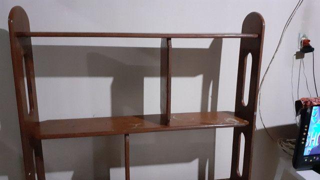 Estante de madeira. Oferta pra comprar agora - Foto 2