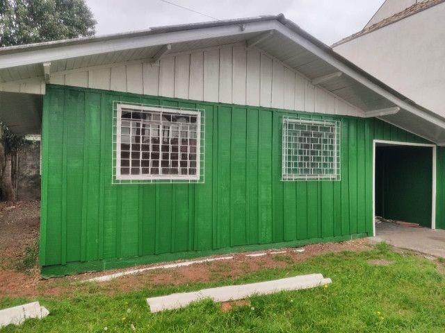 Aluga-se casa sozinha no terreno no Boqueirão!
