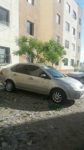 Fiesta  1.6 Flex carro com 81 .mil de km