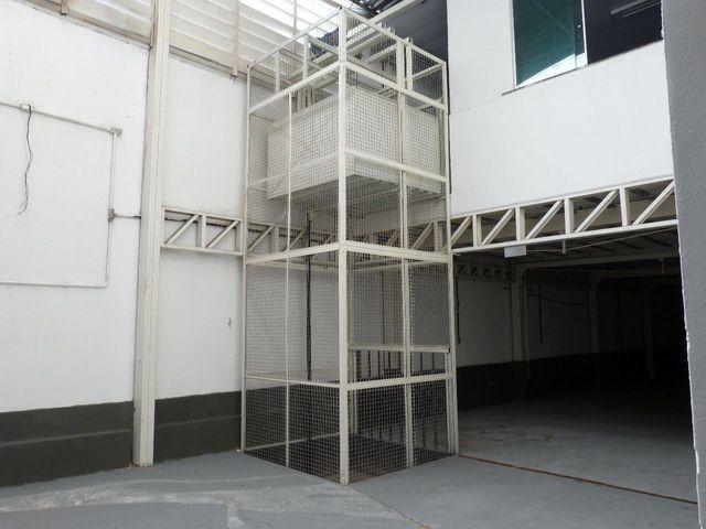 Elevador de Carga 2.000 kg com estrutura - Foto 6