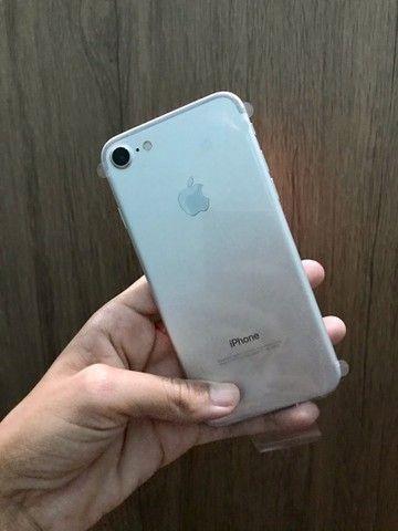 iPhone 7 Gold 128g vitrine (Acompanha carregador) bateria 100% (Leia toda descrição)