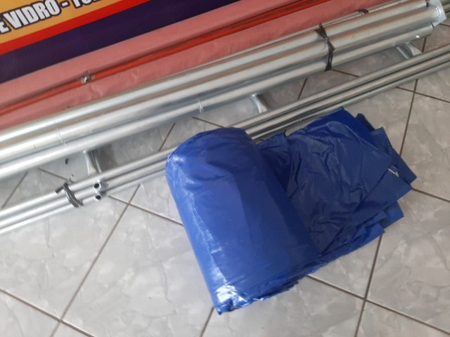 Estou vendendo essa tenda.tamanho.6×6.nunca foi usada.valor 4.200 - Foto 3