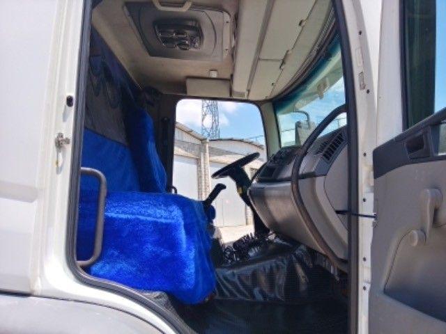 Vw-24.250 ano:11/12,branco,bi-truck 8x2,com carroceria de 9 mts,ótimo estado. - Foto 19