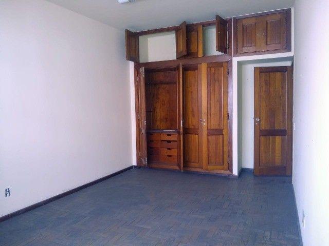 Apartamento Amplo 3 Dormitórios Sendo Uma Suíte - Foto 12