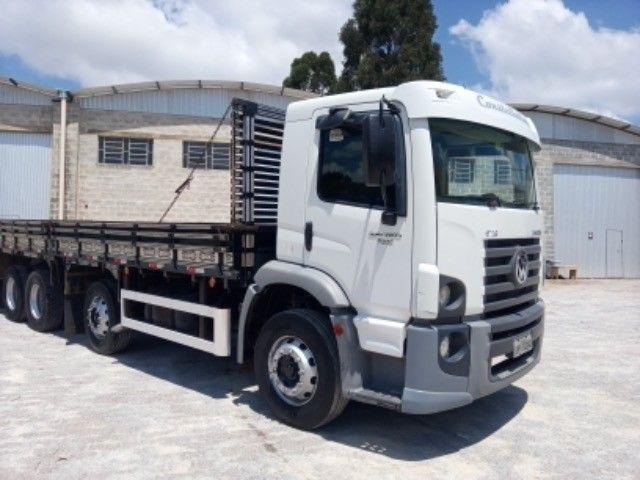 Vw-24.250 ano:11/12,branco,bi-truck 8x2,com carroceria de 9 mts,ótimo estado. - Foto 5
