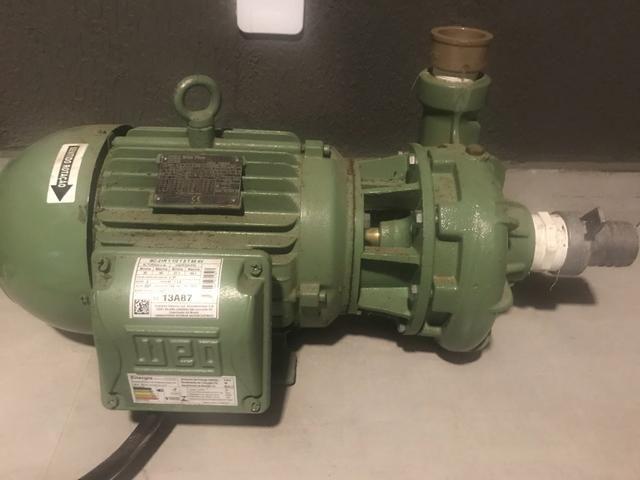 Vendo motor bomba 7,5 vc irrigação novo - Foto 3