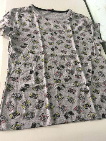 Vendo essa duas blusa uma e tamanho M e a outra é tamanho G