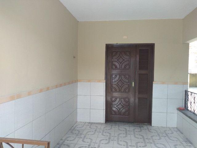 Casa com dois quartos e dois banheiros próximo ao supermercado Ofertão Max - Foto 2