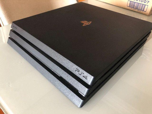 Playstation 4 PRO c/ SSD Samsung 1TB + 2 Controles + 10 Jogos - Foto 2