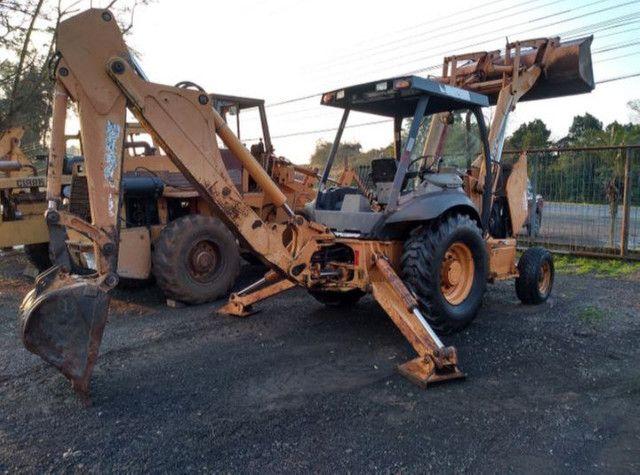 Retroescavadeira Case 580M  2011 - Foto 3
