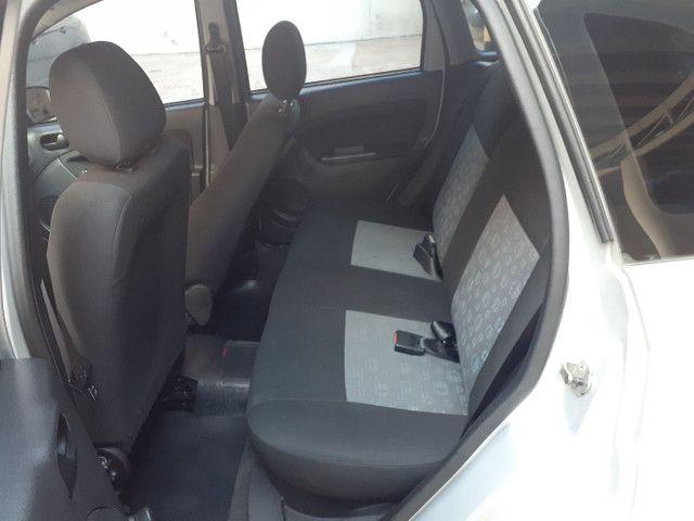 Fiesta 1.0 ano e modelo 2011 completo, IPVA 2021 PAGO - Foto 11