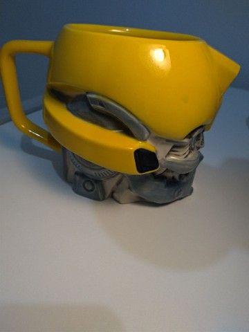 Caneca Transformers Bumblebee® Universal Studios Original - Foto 6