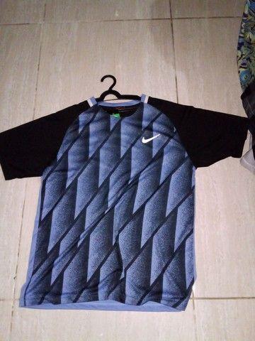 Camisas e bermudas Nike  - Foto 2