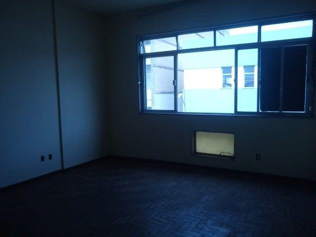 Apartamento Amplo 3 Dormitórios Sendo Uma Suíte - Foto 11