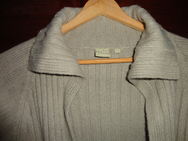 Casaco feminino em lã bege canelado - Foto 3