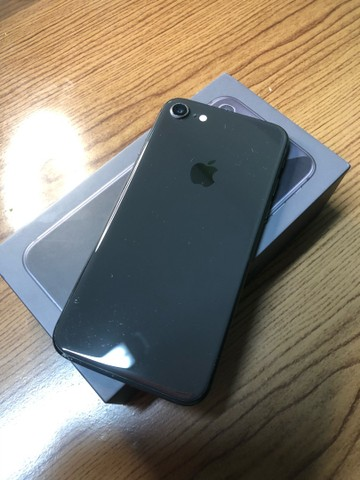 iPhone 8 - 64GB - Seminovo