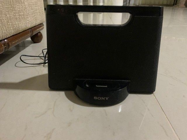 Caixa de som para IPod /iPhone portátil Sony,  com fio para tomada