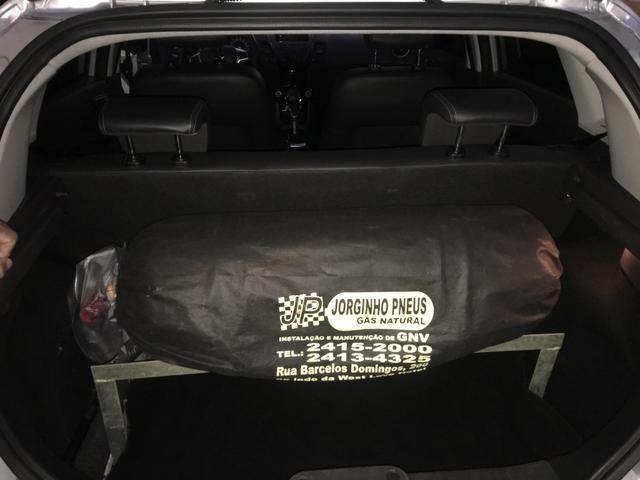 New Fiesta hatch Titanium automático com gnv 5 geração preço real - Foto 15