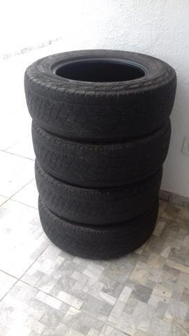 Pneus Pirelli em bom estado 225/65 aro 17 Valor negociável