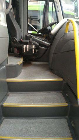 3305 - Scania K-380, Paradiso 1200, 2011<br><br><br> - Foto 4