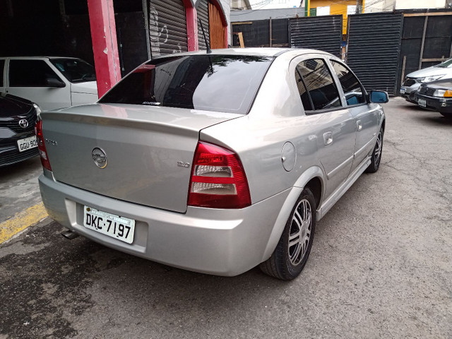 Astra Elegance Sedan 2005 - Foto 5