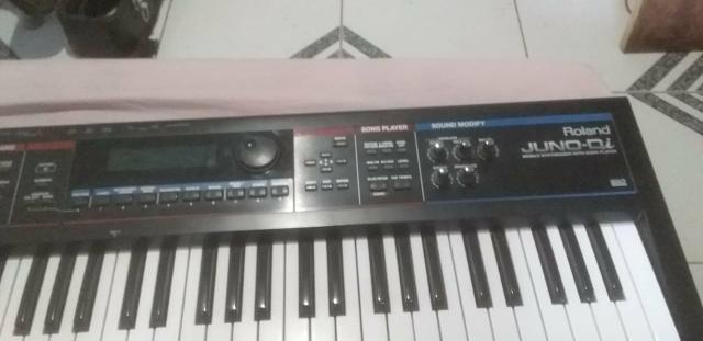 Teclado Roland Juno DI profissional
