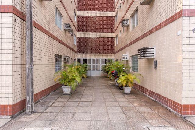 Mobiliado 11 A do Edf. Casa Blanca em Boa Viagem, Recife, no precinho - Foto 18