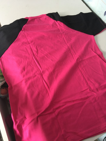 Vendo essa duas blusa uma e tamanho M e a outra é tamanho G - Foto 3