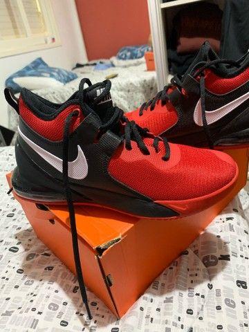 Tênis Nike Air Max Basquete Nº 39 - Foto 2