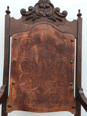 Cadeira Antiga de couro - Foto 5