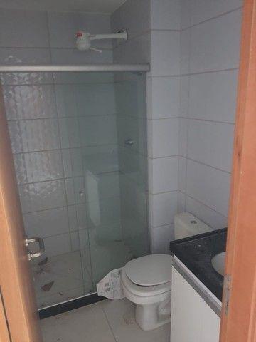 Flat com quarto separado na avenida!! - Foto 17