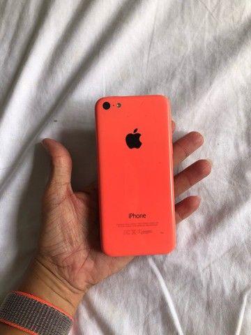 iPhone 5C p/ retirada de peças, display está solto.