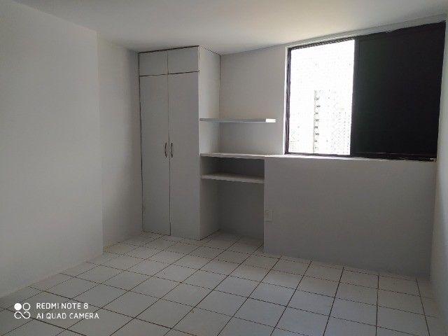 Apto 03 quartos sendo 1 suite, 02 vagas de garagem, piscina etc. - Foto 7