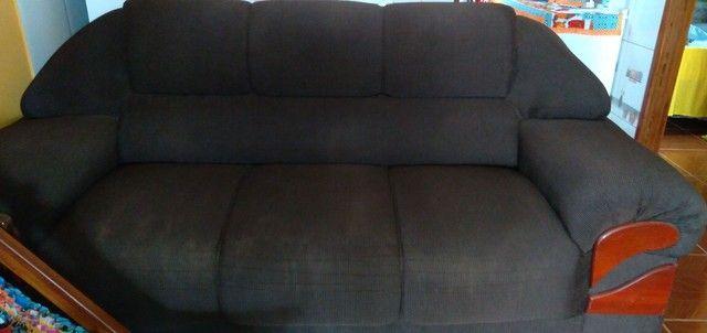 Vendo esse sofá de dois é três, bem conservado no valor de 700,00 - Foto 4