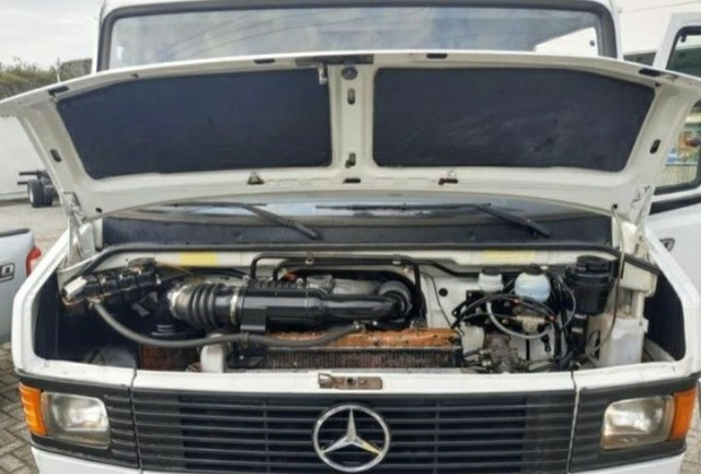 Mercedes 710 - Foto 3