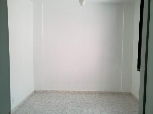 Apartamento 2 Quartos muito bem localizado Largo do Bicão na Vila da Penha - Foto 2