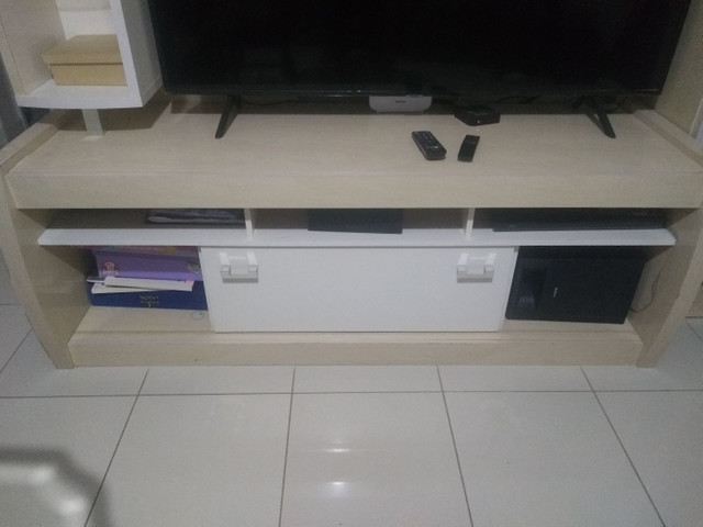 Vendo rack estante  com vários compartimentos, usado - Foto 4