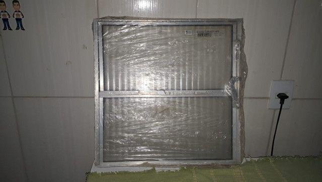 Basculante de alumínio