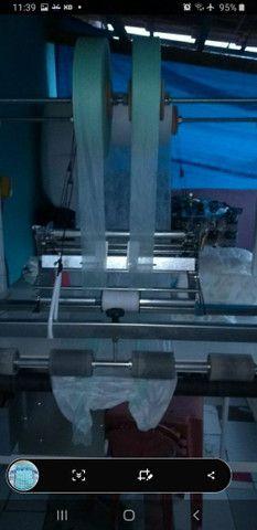 máquina dfazer fraldas descartáveis infantil e geriátricas  - Foto 2