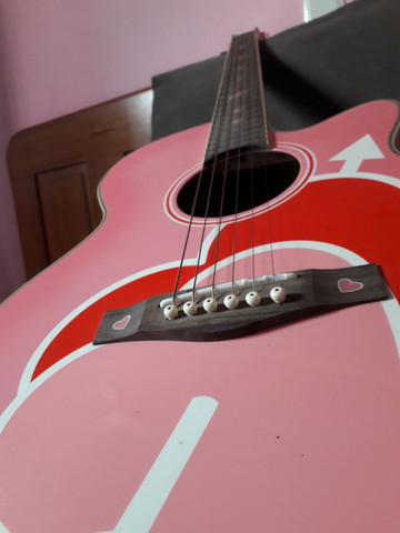 Violão Eagle Rosa com Corações  - Foto 3