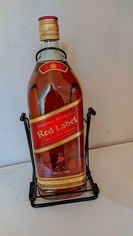 WHISKY RED LABEL 4,5L COM SUPORTE - Foto 2