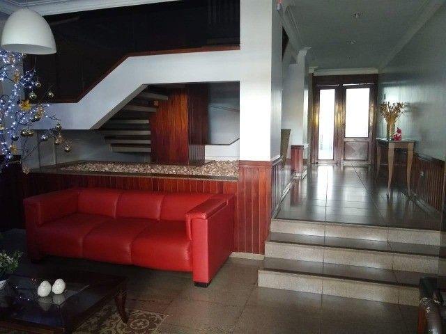 Apartamento com 3 dormitórios à venda, 66 m² por R$ 220.000,00 - Setor Bela Vista - Foto 2
