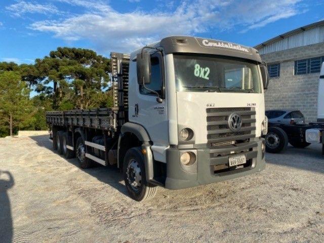 Vw-24.280 ano:13,branco,bi-Truck 8x2,com carroceria de 9 mts,ótimo estado. - Foto 12