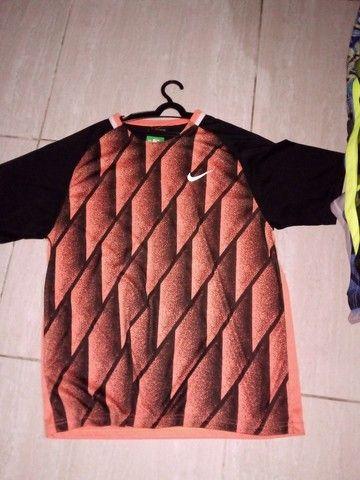 Camisas e bermudas Nike  - Foto 4