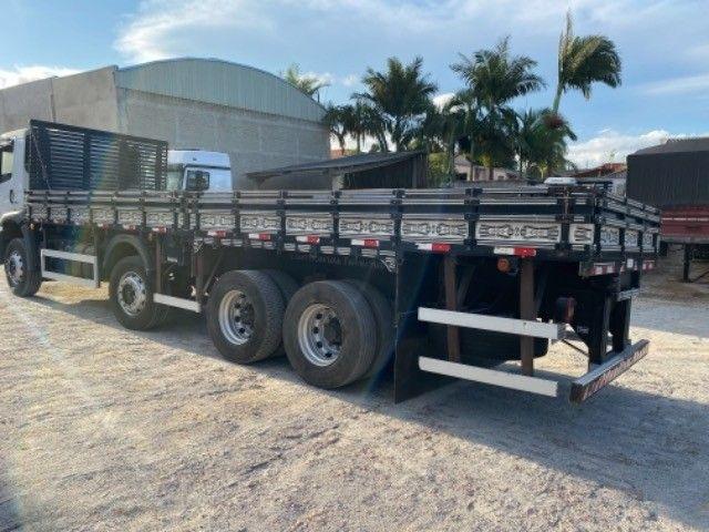 Vw-24.280 ano:13,branco,bi-Truck 8x2,com carroceria de 9 mts,ótimo estado. - Foto 8